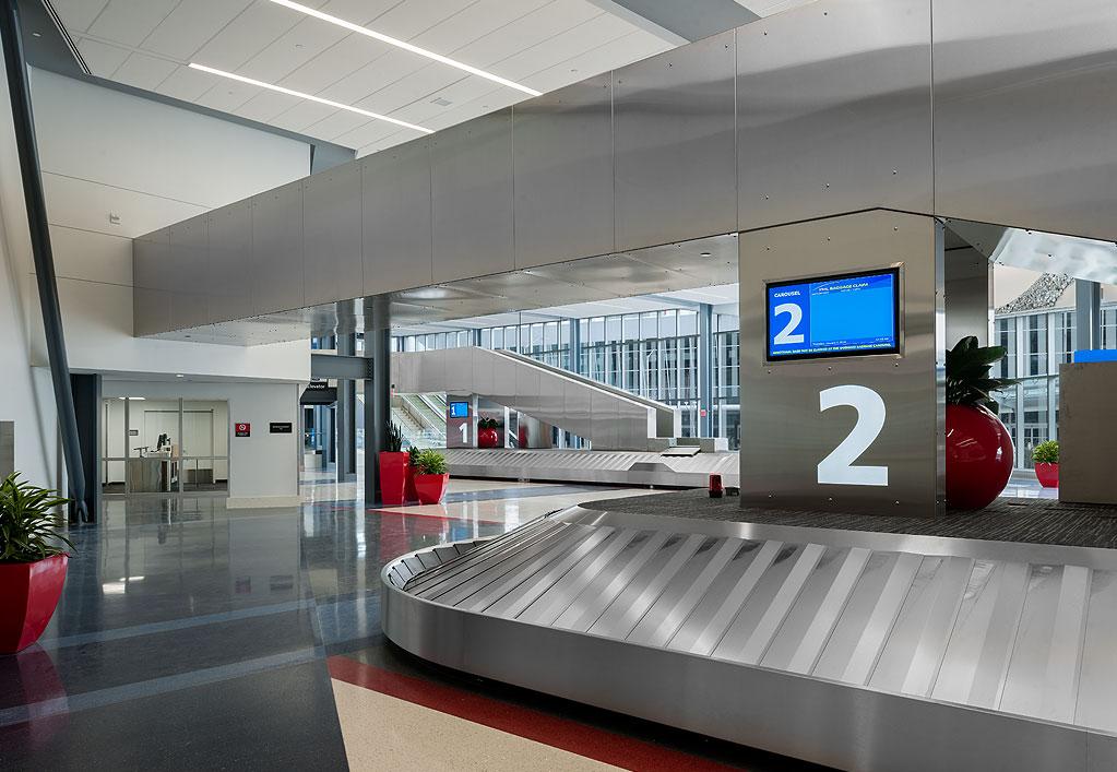Philadelphia International Airport Terminal F Hub Baggage Claim